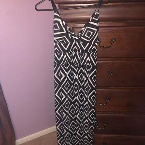 Black and white maxi dress medium.